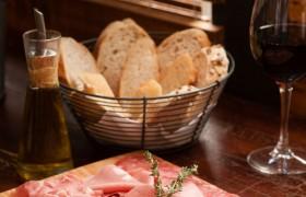 Oferecemos também a opção da tábua de queijos (4 tipos à escolha).